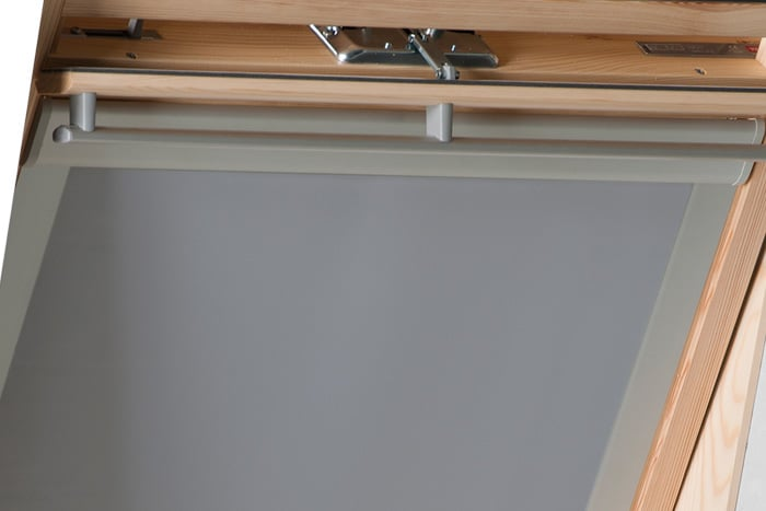 dachfenster rollo verdunkelung dachfensterrollo thermo passend f r velux fakro ebay. Black Bedroom Furniture Sets. Home Design Ideas
