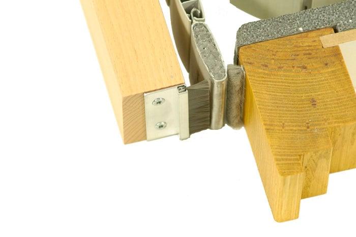 diha roka insektenschutz b rstendichtung mit aluschiene. Black Bedroom Furniture Sets. Home Design Ideas