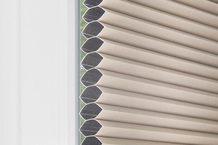plissee faltrollo ohne bohren klemmtr ger fenster wei wabenplissee victoria m ebay. Black Bedroom Furniture Sets. Home Design Ideas